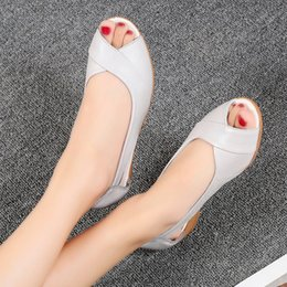 $enCountryForm.capitalKeyWord Australia - Manufacturers direct sales of new summer 2018 sandals flat sole slope heel middleaged and old womens sandals fishmouth leisure mothers shoes