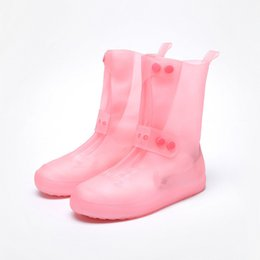 Copriscarpe portatili per giorno di pioggia all'aperto Stivali da pioggia Materiale in PVC elastico Copriscarpe pieghevoli portatili morbide portatili in Offerta