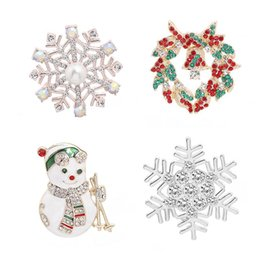 $enCountryForm.capitalKeyWord Australia - Christmas Theme Shape Pin New Alloy Variety Fashion Trend Backpack Hat Neutral Snowman Snowflake Christmas Brooch Jewelry Gift