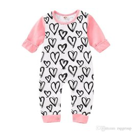 $enCountryForm.capitalKeyWord Australia - Spring INS Cute Toddler Baby Girls Love Heart Prnting Rompers Fall Long Sleeve Round Collar Jumpsuits Cotton Bodysuits Onesies 0-2T