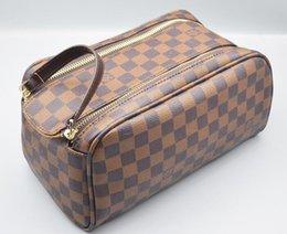 Gold cosmetic baG small online shopping - 2019 Men Travelling Toilet Bag Fashion Design Women Wash Bag Large Capacity Louis Vuitton Cosmetic Bags Makeup Toiletry Bag