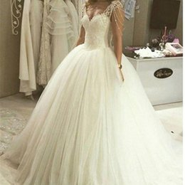 Discount luxury romantic wedding dresses - Ball Gown Luxury Princess Wedding Dresses 2018 New White Ivory Tulle Crystal Sweetheart Bridal Romantic Wedding Gown Dra