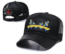 Discount branded baseball mesh caps - Luxury Women Men Brand Designer Style Casual Cap Popular Couples Mesh Baseball Cap casquette Avant-garde Patchwork Fashi