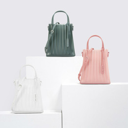 Discount cell phone collection - 2019 new bags, small jelly bags, handbags, a collection of agents, direct sales of more