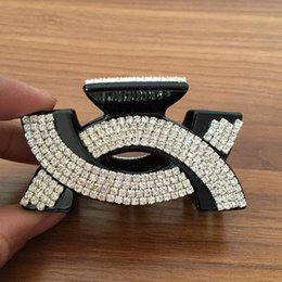 Wholesale Women Rhinestone Letter C Hair Clip Bling Bling Rhinestone Claw Clamps Black Brown Fashion Hair Accessories