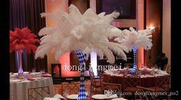DLM2 nova 12-14 polegadas (30-35cm) branco de penas de avestruz plumas para o casamento festa de casamento central evento decor decoração festiva Z134 em Promoiio