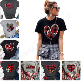 Wholesale raglan sleeve tee online – design 2020 Valentine s Day Women T Shirt Plaid Heart Love Letter Short Sleeve Panel Raglan Sports Tee Casual Tops Summer Pullover Cloth E1904