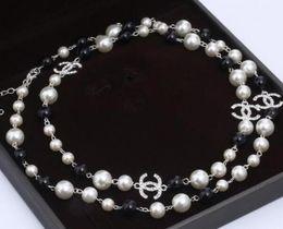 Collar de joyería de moda las mujeres collar de perlas suéteres Rose plateó la perla de mujer Accesorios mejores regalos en venta