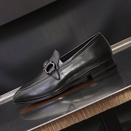 manufacturing plastics Australia - New top designer brand platform Classic hot men's leather shoes, the best material manufacturing, the workplace is essential