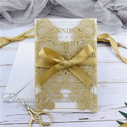 $enCountryForm.capitalKeyWord Australia - Gold Exquisite Iridescent Pearl Paper Wedding Invitation Card Leaves Pattern Hollow Out Carved Crafts Card for Wedding Party free shipping