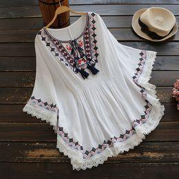 $enCountryForm.capitalKeyWord Australia - Retro Boho Style Embroidery Shirts Blouses Womens Summer Cloak Top Loose Cotton Lace Hem Bat Sleeve Kimono Shirt Blusa Feminina Y19043001