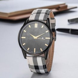 Sexy black women glaSSeS online shopping - 2019 Brand Fashion Luxury Man Women leather Watch Famous designer Stainless Steel Sexy Lady Watch High Quality Famous Brand Quartz Clock