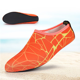 c9a04a905 Unisex zapatos para la piel con agua Buceo Buceo Surf Natación Calcetines  Calcetines para la playa Piscina Arena Nadar Surf Yoga Deportes acuáticos