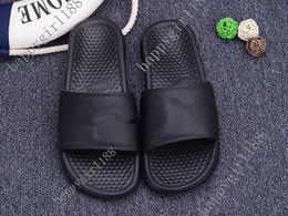 $enCountryForm.capitalKeyWord NZ - Classic Brand new summer 2019 Mens Women Couple Sandals Slippers Shoes woman Flip Flops Slide Fashion Designer slides Black beach flip flop