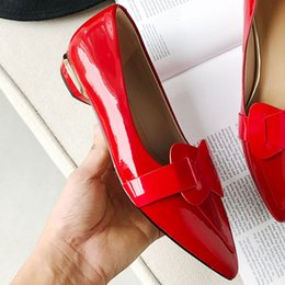 $enCountryForm.capitalKeyWord Australia - Hot Sale-Wholesale Top Quality Sequins Heels Office Dress Shoes Genuine Leather Women Loafers Shoes Solid Tie Casual Shoes Flat Red Black