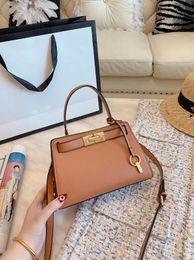 $enCountryForm.capitalKeyWord Australia - 2019 latest fashion hot sale lady OL handbag woman high quality leather totes toris design Lee lock bags T B shopping bag