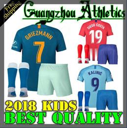 Kit de niños 2018 de Madrid GRIEZMANN Madrid en casa Camiseta de fútbol  Camiseta de fútbol KOKE personalizada SAUL DIEGO COSTA 18 19 atletico boy  short ... e4574fb30ac57