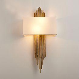 Venta al por mayor de Nordic Modern Gold lámpara de pared de oro aplique luces de pared de lujo para sala de estar dormitorio baño casa interior accesorio de iluminación decoración
