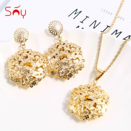 $enCountryForm.capitalKeyWord Australia - sets Sunny Vintage Sets For Women Earrings Pendant Necklace Flower Pattern Wedding Jewelry For Party Engagement Gifts