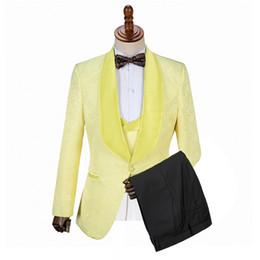 Groom Groomsmen Champagne Vest Australia - Gwenhwyfar Fine One Button Groomsmen Lapel Groom Tuxedos Men Suits Wedding Prom Dinner Best Man Blazer(Jacket+Pants+Vest)