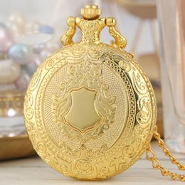 $enCountryForm.capitalKeyWord Australia - Royal Gold Shield Crown Pattern Quartz Pocket Watch Top Luxury Necklace Pendant Chain Steampunk Clock Collectibles Jewelry Gifts