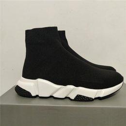 2019 Hız Eğitmen Runner Sneakers Siyah Kırmızı Üçlü Siyah Oreo Moda Düz Çorap Çizme Günlük Ayakkabılar Boyut 36-45