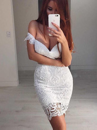 Discount designer shoulder strap - So Sexy White Lace Cocktail Prom Dress 2019 Short Off shoulders With Sleeves Sheath New Cheap Designer Homecoming Party