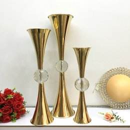 $enCountryForm.capitalKeyWord Australia - 10pcs Gold Flower Vase Holders With Big Crystal Ball Wedding Table Centerpieces Flower Holder Candlesticks For Party Home Decor