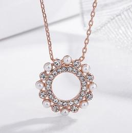 Venta al por mayor de 2019 Nuevos productos antiguos partido circular Venta de perlas Necklacehot clavícula joyería femenina Colgante Adornos Set en taladro