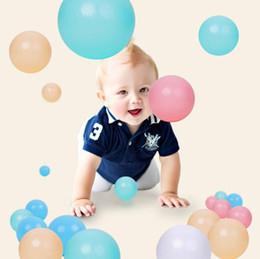 100 / 200pcs 5.5 / 7cm Balls Boules de piscine en plastique souple océan à billes pour Playpen coloré doux stress Ballons jonglerie sensorielle Bébé Jouet en Solde