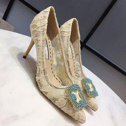 Designer de moda de luxo mulheres sapatos 8 cm de salto alto studded sandálias sexy ladies sandálias de cunha vermelho fundo spike partido casamento yc19050402 venda por atacado