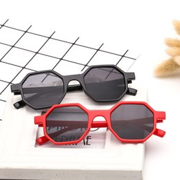 Sun Side online shopping - Eight Sided Shape Sun Glasses Irregular Frame Sunglasses Personality Eyewears Women Outdoor Sunscreen Summer Beach ol f1