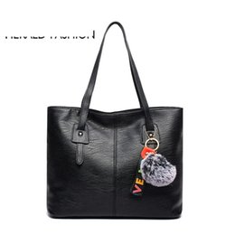 $enCountryForm.capitalKeyWord NZ - good quality Women Handbags With Hair Ball Quality Leather Female Shoulder Bags Large Casual Tote Bags Sac Bandouliere Femme