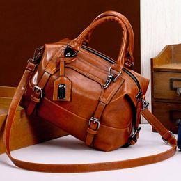 $enCountryForm.capitalKeyWord Australia - Boston Bag Wax Handbags Oil Leather Tote Crossbody Bags for Women Tote Shouler Bag Luxury Handbags Famous Women Bags Designer