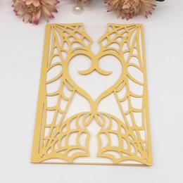 Ingrosso Cuore di amore di lusso Ragnatela scava fuori carta tagliata laser perla Busta invito a nozze festa di compleanno fornitore business cena cena