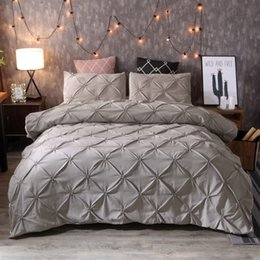 Wholesale iDouillet Stylish Cross Pinch Pleat Design Duvet Cover and Pillow Shams Set piece Modern Grey Bedding Double Queen King Size