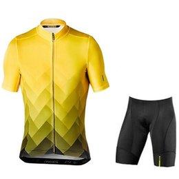 Shirt Customization Australia - MAVIC team Cycling Short Sleeves jersey shorts sets Triathlon Men quick day Accept customization Breathable shorts shirt sets +9D Gel Pad