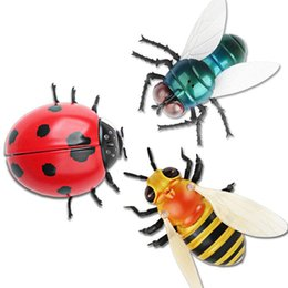 Wholesale ladybug plastic for sale - Group buy Infrared RC Pest Remote Control Animal Toy Smart insect Fly Bee Ladybug Prank Jokes Radio novel Funny toys for children Education toys