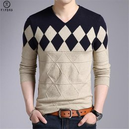 Wholesale cashmere sweater men patterns for sale – oversize Cashmere Wool Sweater Men New Autumn Winter Slim Fit Pullovers Men Argyle Pattern V Neck Pull Homme Christmas SweatersMX190926