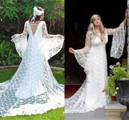 Chinese  2019 Gothic Wedding Dresses Custom Made Vintage Victorian Medieval Style Long Sleeves Lace A-line Beach Bridal Dress Boho Bride Gown manufacturers