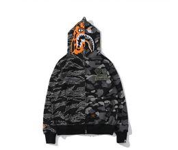 $enCountryForm.capitalKeyWord Australia - Spring Summer Autumn Winter Lover Cotton Camo Splice Plus Velvet Sweater Men \'S Casual Camo Color Matching Jacket Coat Free Shipping