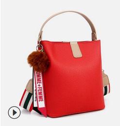 $enCountryForm.capitalKeyWord UK - Europe and the United States color contrast small bag women 2019 new fashion versatile fashion women shoulder oblique shoulder bucket bag 02