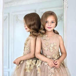 tea party dresses for kids UK - Flower Girls Dresses For Weddings Champagne Tulle Appliques Tea Length A Line Girls Pageant Gowns Zipper Back Customized Kids Party Dress