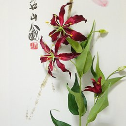 Discount silk lilies for home decoration - 5Heads Flame lily branch Artificial flowers flores for Home Wedding Christmas decoration silk fake flower fleur artifici