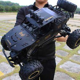 RC grosse voiture de déformation modèle de voiture de sport conduite automobile avec des lumières 1:16 de jouets pour enfants robot de commande à distance un bouton déformation enfants jouets en Solde