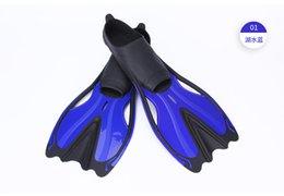 Ingrosso Maschio e femmina pinne per immersione snorkeling Uomo donna Non indossa un flipper Scarpe da allenamento snorkeling anatroccoli attrezzature per il nuoto