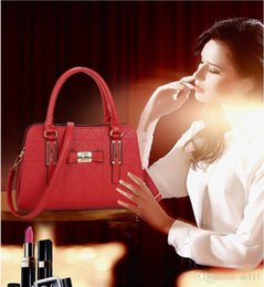 $enCountryForm.capitalKeyWord NZ - Free Shipping!With Strap Women Famous Canvas real leather Handbags Designer Shoulder Bag cheap wholesale cheap wholesale Embroidered Totes