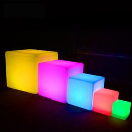 Lampada da esterno impermeabile Cube LED ricaricabile a luce notturna RGB telecomando lampade piscina bar tavolo cafe ktv hotel decor lighting