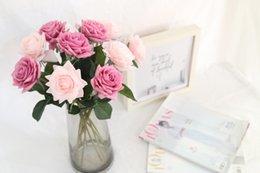 Real Touch Flower künstliche rosa Rose gefälschte lila Rose stammt Kunstblume Hochzeitsstrauß Home Decor Herzstück Blumenschmuck im Angebot