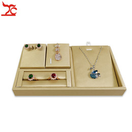 $enCountryForm.capitalKeyWord Australia - New Quality Jewelry Display Set Portable Gold Leather Ring Earring Pendant Necklace Display Stand Jewelry Organzier Storage Holder Tray